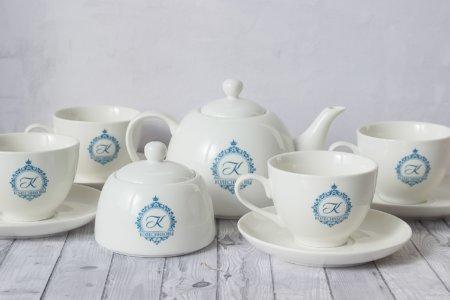 4 чайные пары + чайник + сахарница